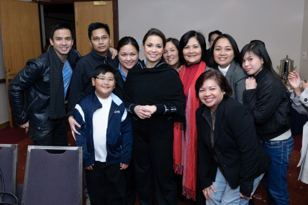Lea Salonga with Filipino-Australians welcoming her to Sydney.